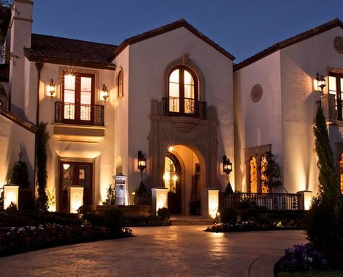 Фоновое освещение фасада