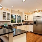 Пол для кухни: красота или практичность