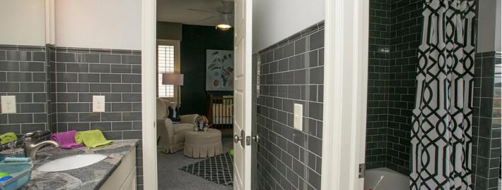 Двери в ванной комнате — ваши критерии выбора
