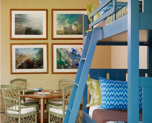 Двухъярусная синяя кровать