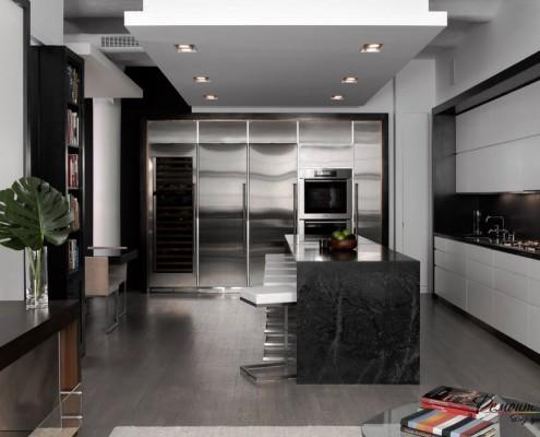 Серый пол в кабинете