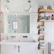 Необычные полки в ванной