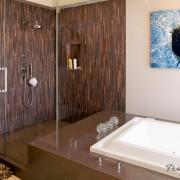 Темная стена в оформлении ванной