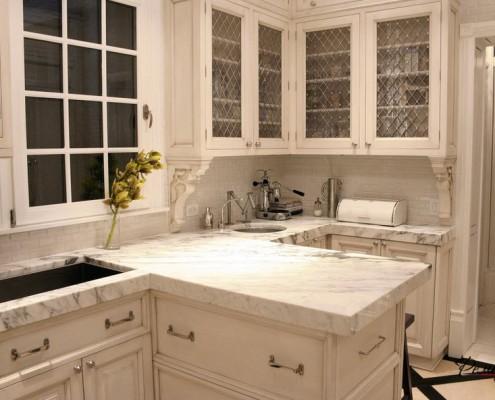 Белая мебель на кухни