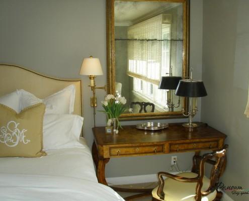 Уголок спальни в классическом стиле