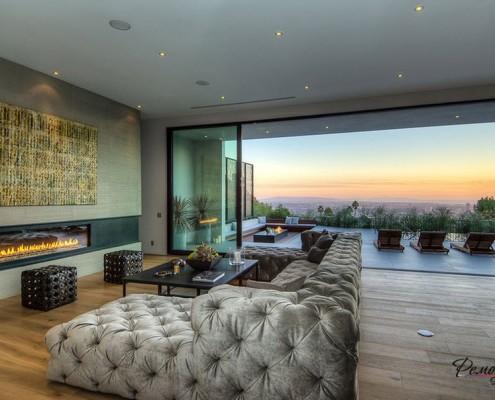 Отличный вид сквозь панорамное окно