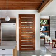 Дизайн светлой кухни на фото