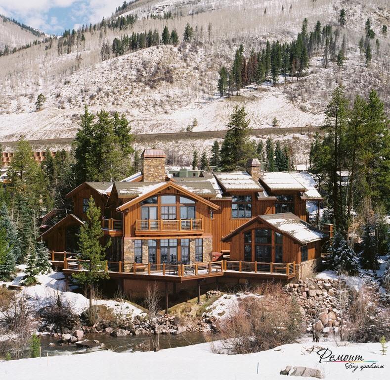 Дом в горах на сваях