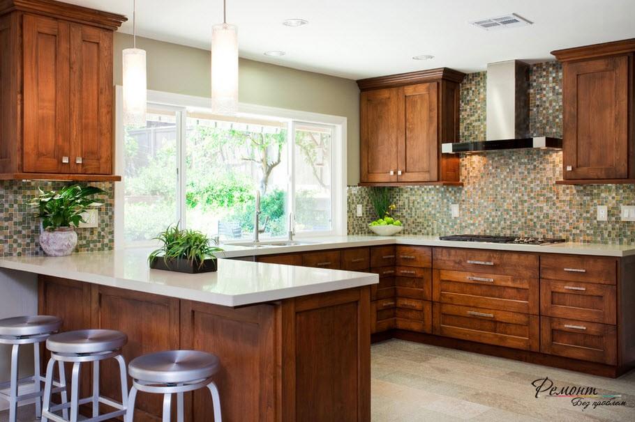 Цветная отделка стен кухни