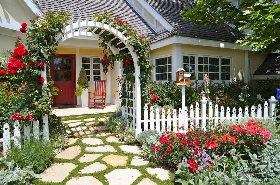 Оригинальная арка под вьющиеся розы