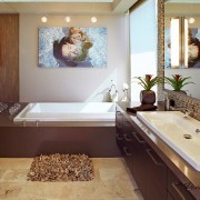 Картина на стене ванной