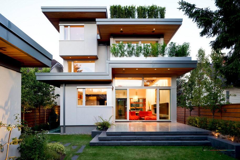 Эффектный небольшой двухэтажный домик