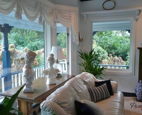 Панорамные окна с занавесками