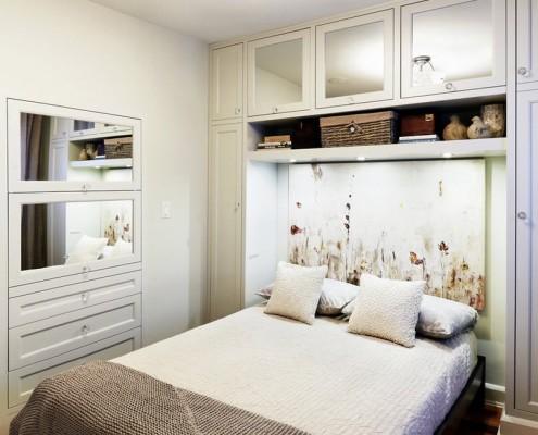 Встроенная мебель - отличное место для хранения вещей