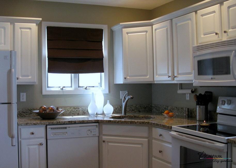 Для небольших кухонь оптимальный вариант - круглая раковина