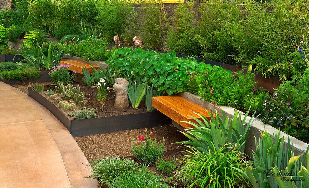 Зеленый двор для отдыха
