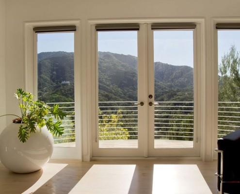 Живые цветы и растения в интерьере дома и квартиры на фото