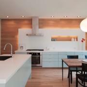 Необычное оформление кухни с нишей