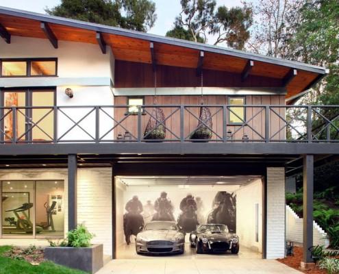 Секционные ворота гаража