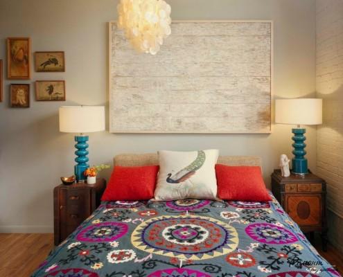В цветовой гамме спальни должны присутствовать другие краски, хотя бы в качестве акцентов