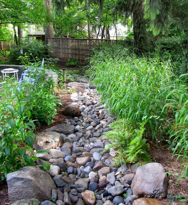 Выкладка дорожен необходима для удобства ухода за растениями