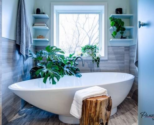 Светлые тона интерьера ванной комнаты