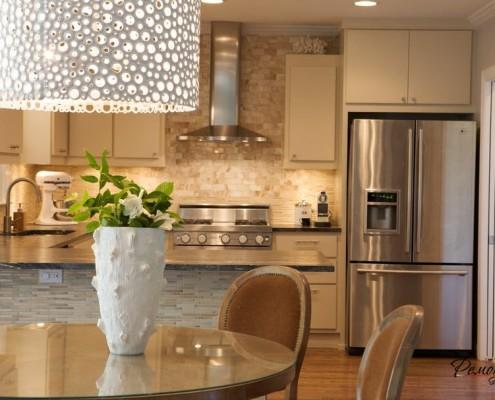 Акцент в дизайне современной кухни делается на мебель