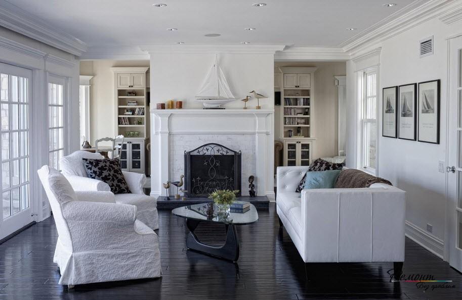 Белая комната и темныйпол
