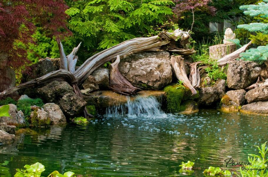 Водопад и искусственный пруд - эффектная картина