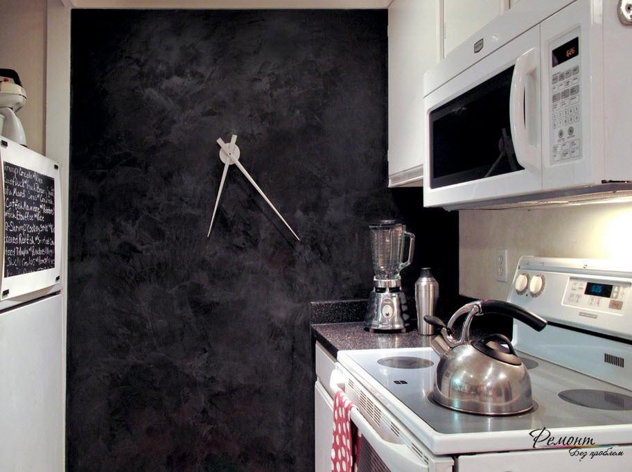 Стильные и необычные часы на кухонной стене
