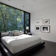Пол венге в дизайнерской спальне
