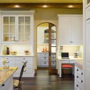 Светлая кухня дизайн