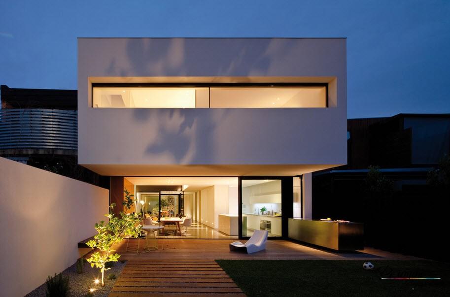 Дом в минималистическом стиле с панорамными окнами