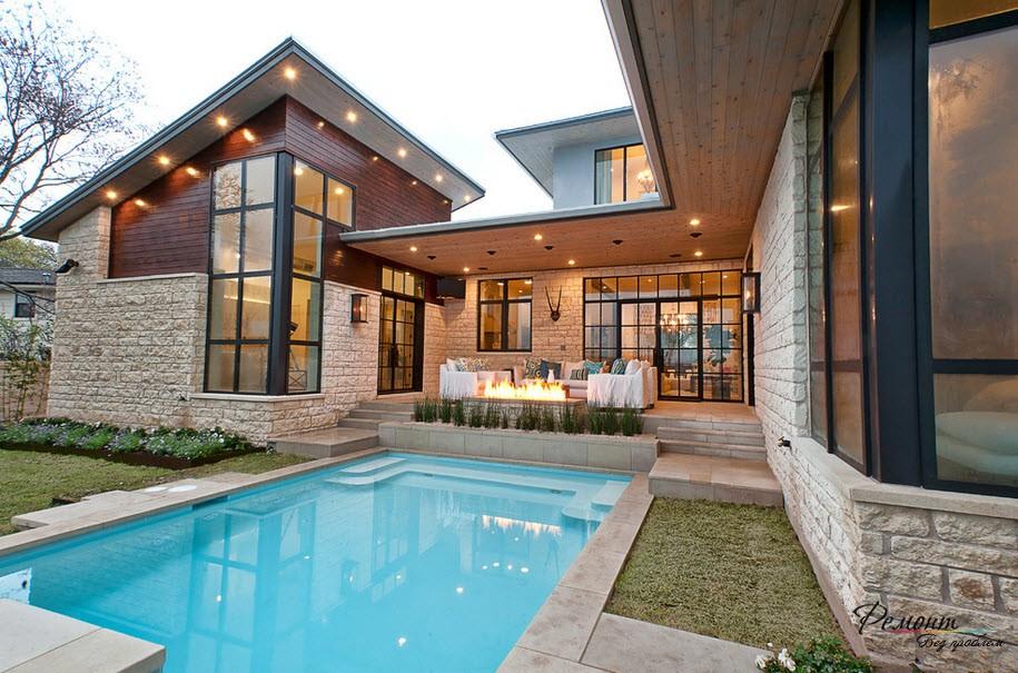 Красивый дом с бассейном