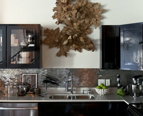 Практичная, стильная и гармоничная отделка стен кухни