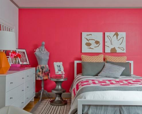 Розовый цвет делает комнату уютной, нежной
