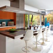 Кухонные вытяжки: как сделать из чудовища красавицу