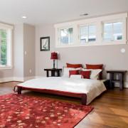 Стильная кровать в стильном интерьере