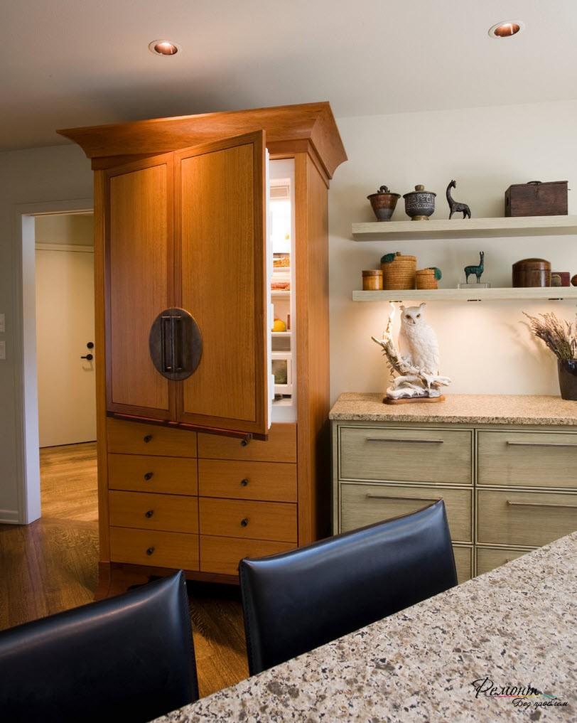 Если вы желаете скрыто холодильник, то спрячьте его в шкафу