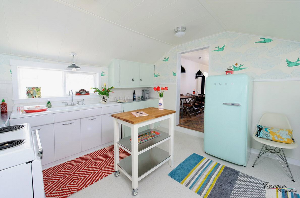 Холодильник необычного голубого цвета -украшение вашей кухни