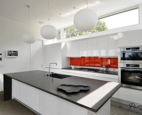 Круглые светильники на кухне