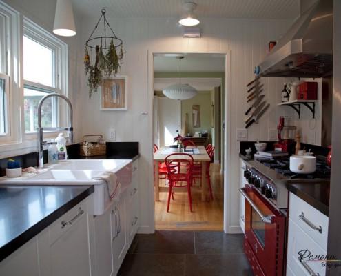 Рабочая зона на маленькой кухне