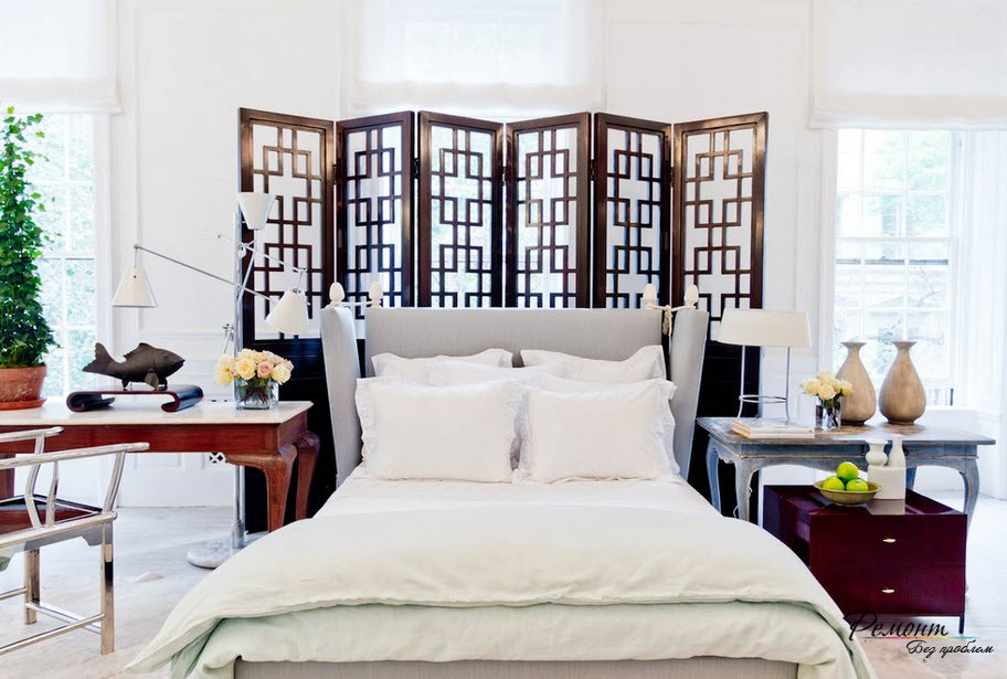 Ажурная ширма в спальне