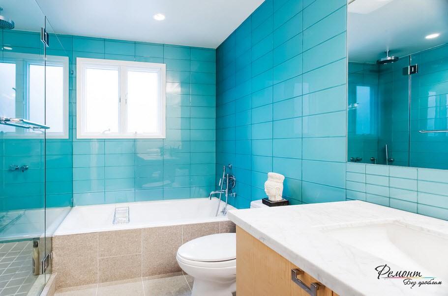 Вспомогательный белый цвет делает основной голубой тон более выразительным
