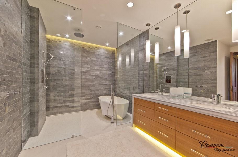 Эффектное напольное освещение в интерьере ванной комнаты