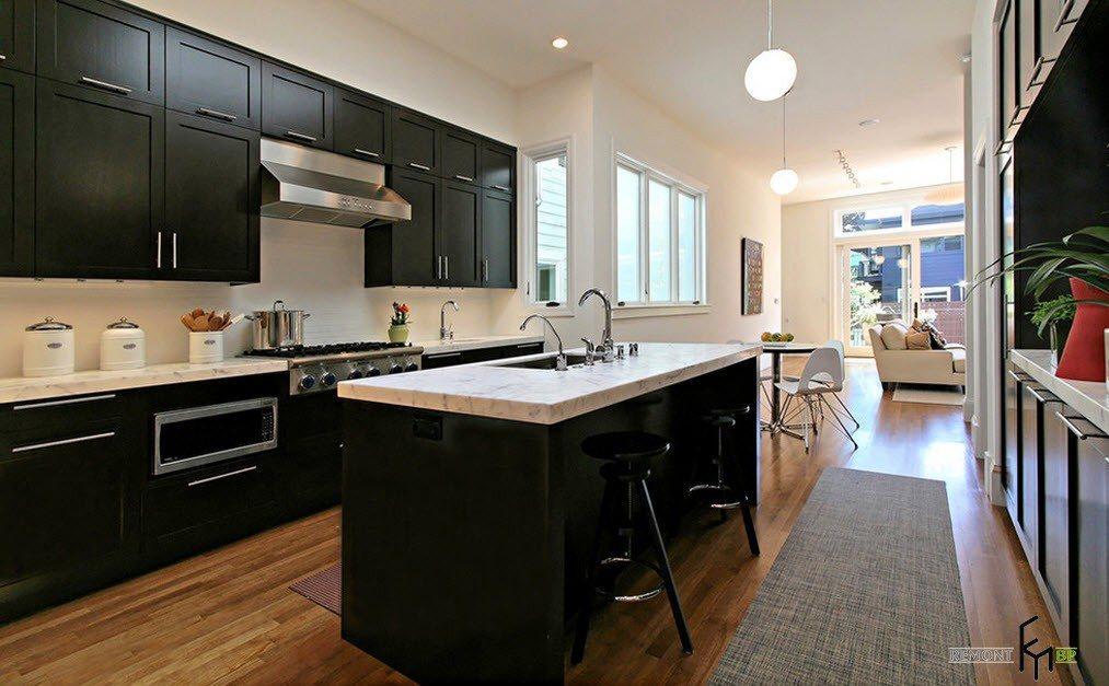 Классические кухонные шкафы