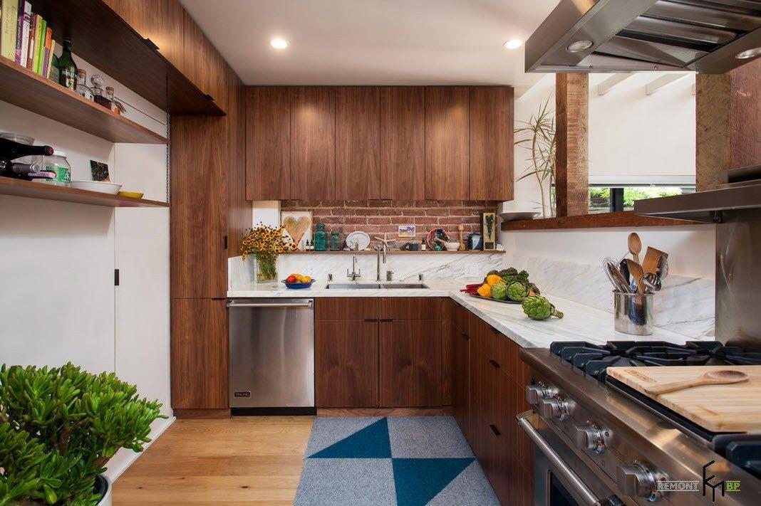 Деревянные кухонные шкафы