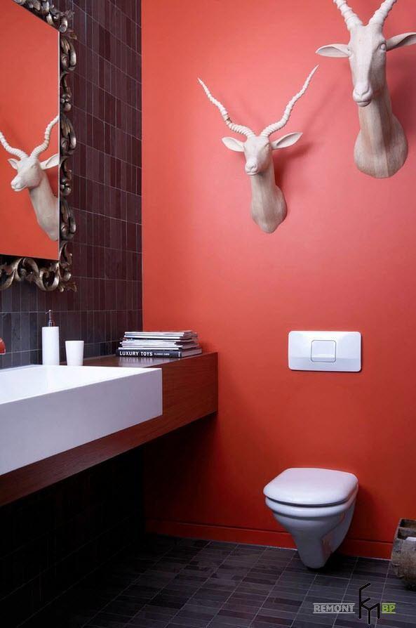 Яркий интерьер туалета
