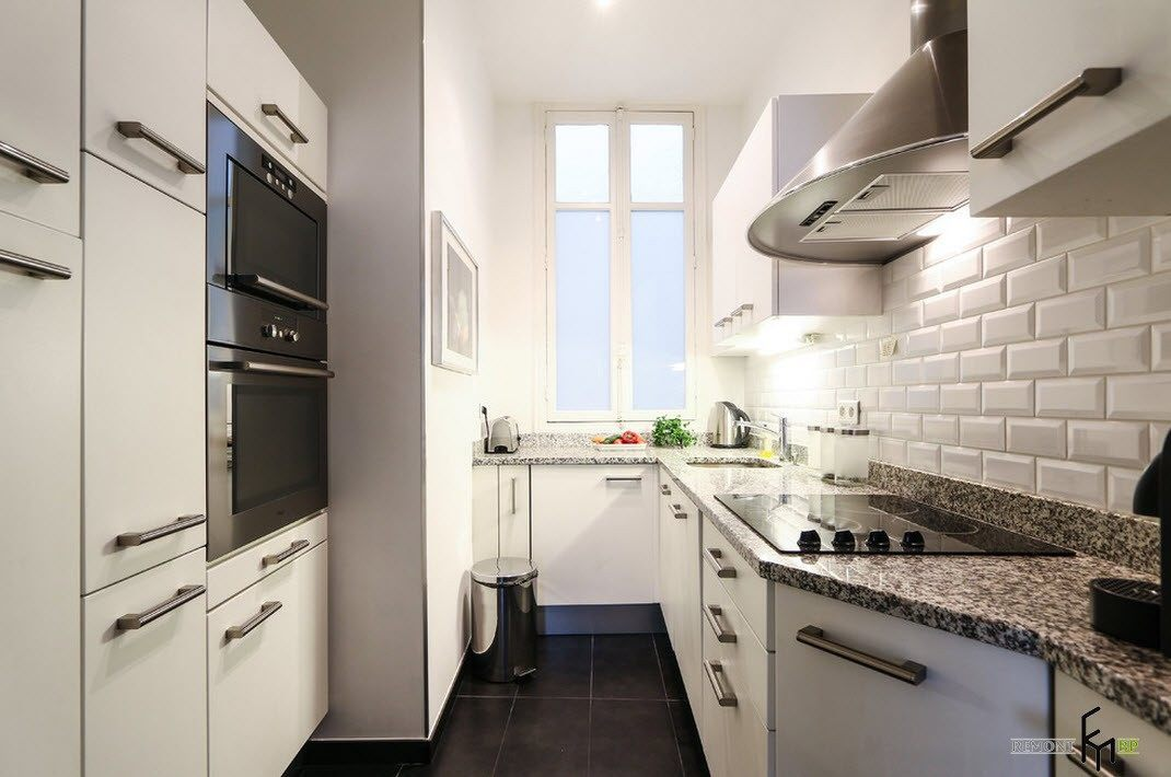 Очень узкая кухня