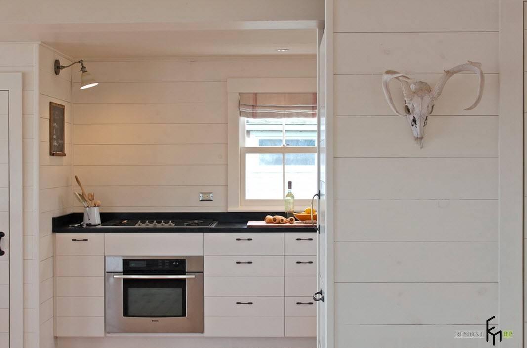 Небольшое кухонное помещение